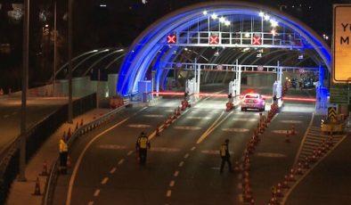 Avrasya Tüneli araç yangını nedeniyle bir süre trafiğe kapatıldı.
