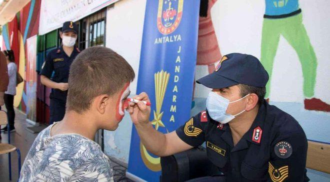 Lösemi Haftası Nedeni ile Jandarma Özel Çocuklarla Buluştu